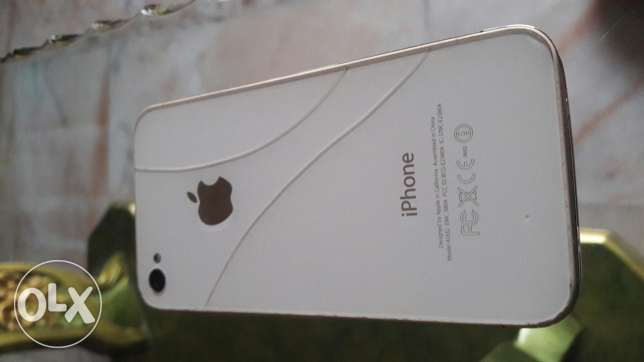 Iphone 4 16gb + blackberry bold 5 for sale or trade غبيري -  3