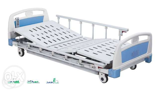 Medical Bed like new barely used with new mattress (farshé)