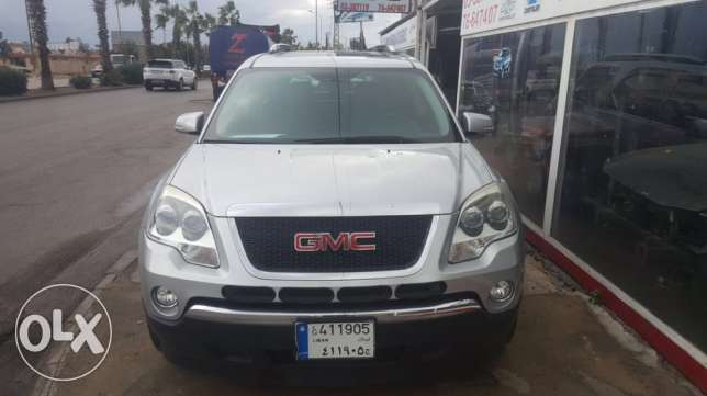 a very clean GMC Acadia معروف سعد -  1