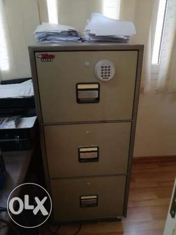 3 drawers safe eagle