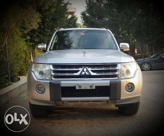 mitsubishi pajero 7 seater top of the range 2010 very very clean
