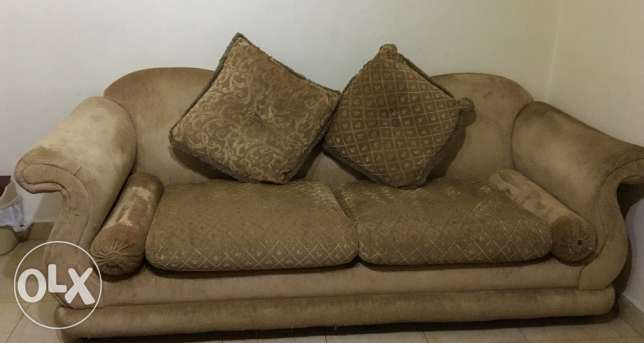Living room couch 2 pieces / ٢ صوفا غرفة جلوس