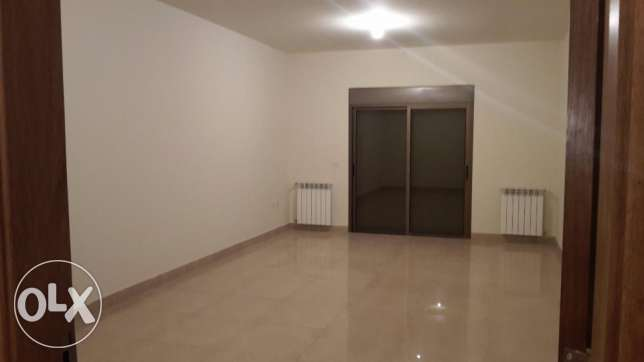 haouch el omara brand new apartment in a prime location.
