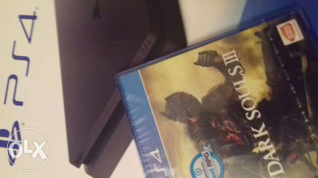 Ps4 with cd (dark souls 3)
