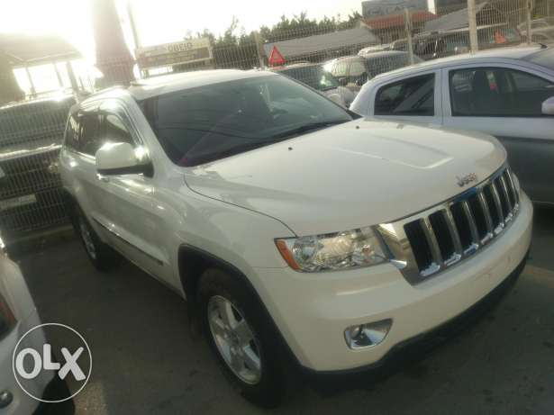 Jeep grand cherokee 2011 limited clean carfax 100k miles