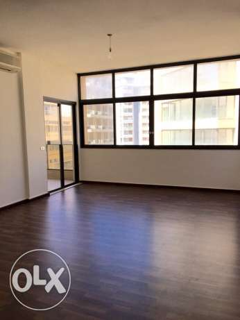 Rawsheh: 250m apartment for rent