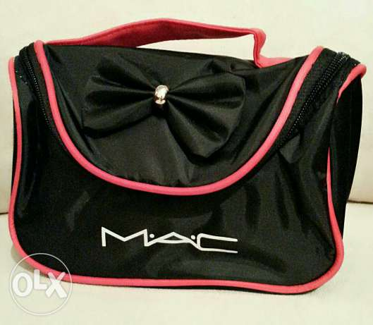 MAC makeup bag المرفأ -  2