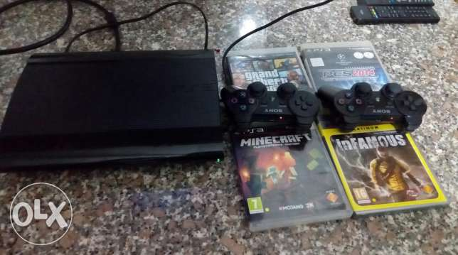 Ps3 ultra slim good condition m3 4 cds