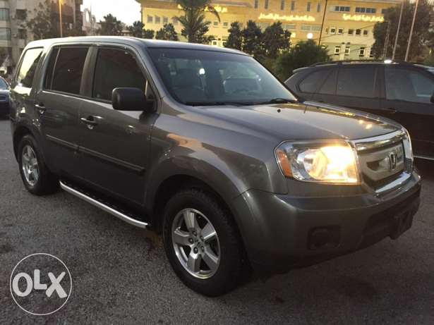 2011 - Honda Pilot ( SUPER CLEAN)
