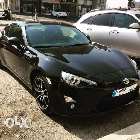 personal Toyota gt 86 year 2016 clean car