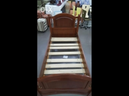 2 single beds in good condition for sale