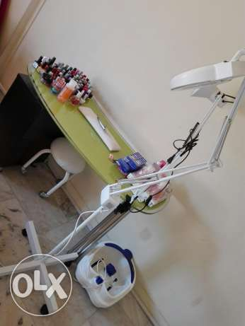 Institut furnished for sale  Table pour vernis + tiroir Tabouret mini Loupe (2)  For sale