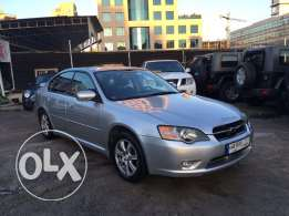 Subaru Legacy 4 Wheel Drive 2004 Silver in Excellent Condition!