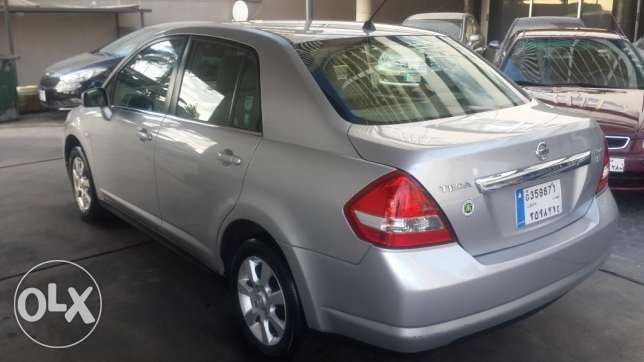 Top Car CRV EX 2005--Sunroof- 4 Wheel راس  بيروت -  3