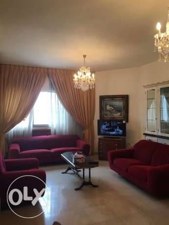 Rawcheh: 160m apartment for rent.