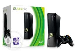 xbox 360 slim with 3 controller hard drive 250GB 50 original game