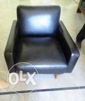 Leather chair , set of three two need new feet brackets
