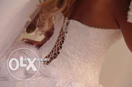 wedding dress and scarve and bride's maids 3 sizes for rent