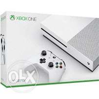 XBOX ONE S with 12 digital game 4K HDR still in box used for 3 days