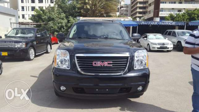 Gmc yukon black on black 2009