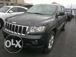 Grand Cherokee 2012 panoramic