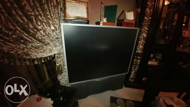 Tv antique 100 inch