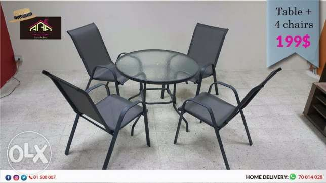 table with 4 chair