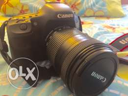 Canon 7d , like new , for 850$ included the memory 8GB