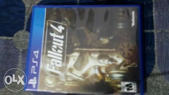Fallout 4 for sale for 28 $ so cheap ! Used 2 times like new