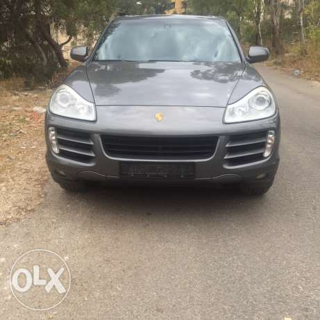 Porsche Cayenne S 4.8 very clean ajnabi can be installment throught th حازمية -  1
