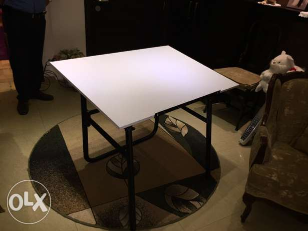 architecture table