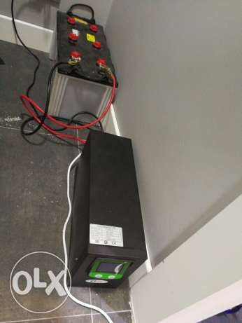 Ups 1200 with battery 150 amper used 1 month