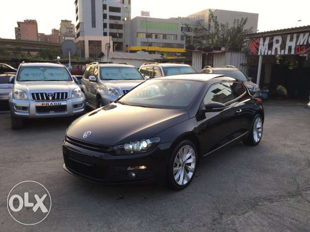 VW Sirocco 2.0T 2011 Black/Basket Top of the Line Like New! بوشرية -  1