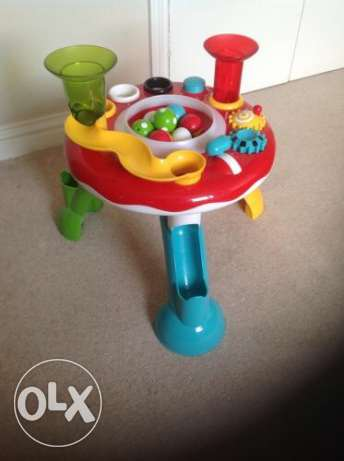elc light and sound activity table (including 4 balls and a hammer)