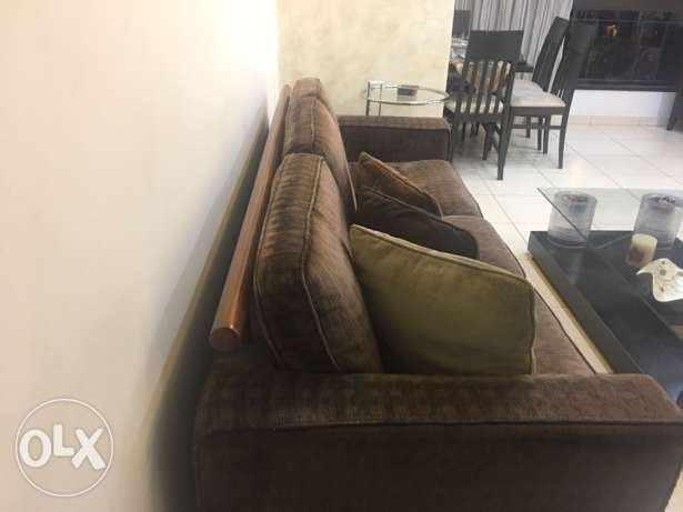 Living Room Couches and Table برج ابي حيدر -  4