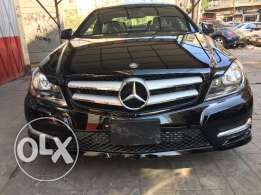 Mercedes Benz C250 Coupe 2013 Black on Black ( Clean Carfax )