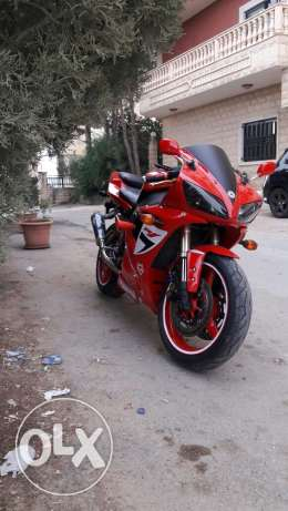 Moto for sale only R1 1000 mod 2003 لا مداكشة