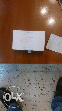 Instantly ageless ; 1 sachet 5$