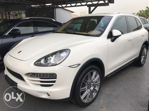 Porsche Cayenne 2011 White Full options