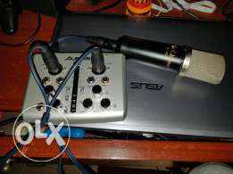 Microphone with soundcard and xlr cable and USB cable