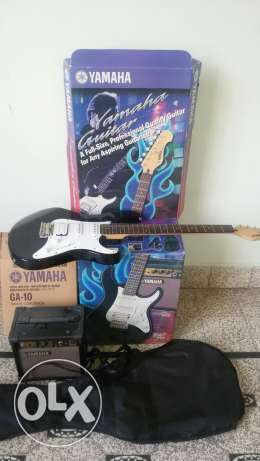 electric guitar YAMAHA+ampli like new+original cover