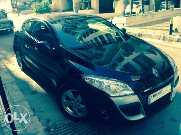 Renault Megane Coupe 2012/ Black/ Enhanced Speakers/ Great Condition أشرفية -  1