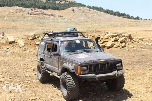 """For sale great condition cherokee xj 1988 lifted 3.5"""""""