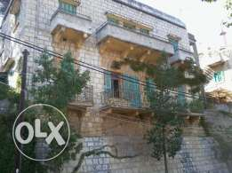 Old Stone Duplex, year 1930, 500m2, with unblockable Mountains View