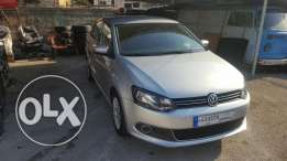 Volkswagen polo 2013 silver f.o like new