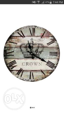 Retro Crown painted wood wall clock