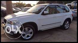 BMW X5 White 2009 Fully Loaded in Excellent Condition!