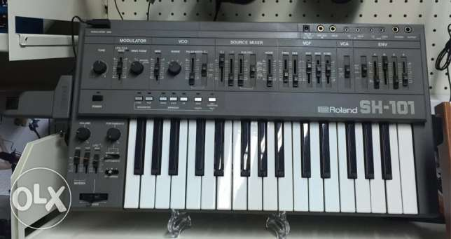 Roland SH-101 Analog synthesiser with mod grip
