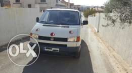 Volkswagen very clean van drives like new 5000 $