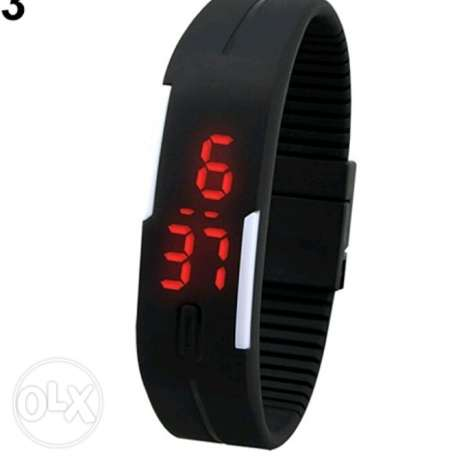 Men's Women's Silicone Red LED Sports Bracelet Touch Watch 5000L.L حارة حريك -  3